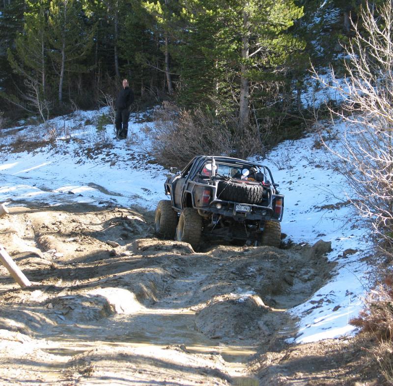 Name:  Pete in mud 4.jpg Views: 600 Size:  162.0 KB